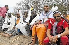 Rhudulu clan celebrate rich traditions at Mthatha River River Pictures, River Bank, Under The Stars, My People, Geography, Folk, Faces, African, Traditional