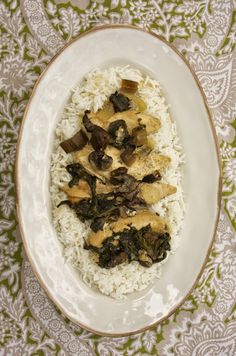 Slow Cooker Chicken with Spinach & Mushrooms- simplelivingeating.com