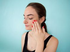 How to Make the Sweaty Makeup Look from NYFW Cute