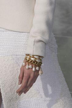 chanel 2020 fashion 2020 Chanel at Paris Fashion Week Fall 2020 Chanel Fashion Show, Paris Fashion, Hippie Fashion, Fashion Fall, Fashion 2020, Mode Chanel, Women Jewelry, Fashion Jewelry, Fall Jewelry