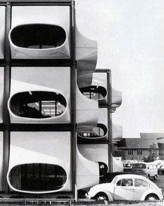 """#BRUTgroup on Instagram: """"@utilitarianarchitecture Laurens Bisscheroux, kantoor AZM (Algemeen Ziekenfonds voor de Mijnstreek), Heerlen, 1972 #brutgroup photo via…"""""""