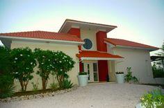 Prachtige villa met zeezicht op Coral Estate. Kijk op http://www.athomecuracao.nl/prachtige-villa-met-zeezicht-curacao/34116