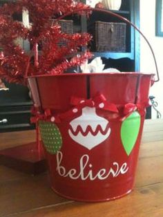 Christmas+bucket+by+PunkieDoodles+on+Etsy,+$18.00
