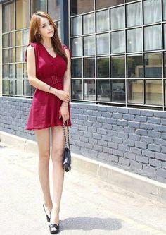 Cute Clothes For Women, Girls Fashion Clothes, Pretty Korean Girls, Sexy Asian Girls, Beautiful Girl Image, Beautiful Asian Women, Korean Girl Fashion, Asian Fashion, Two Piece Long Dress