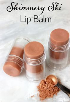 DIY Cosmetics ~ This Shimmery Ski Lip Balm is perfect for protecting lips from the elements. It can also be used on the body for a slight shimmer. Homemade Lip Balm, Diy Lip Balm, Diy Lotion, Lotion Bars, Deodorant, Diy Cosmetic, Lip Balm Recipes, Homemade Beauty Products, Lip Products