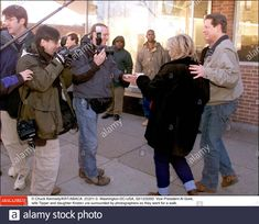 NO FILM, NO VIDEO, NO TV, NO DOCUMENTARY - © Chuck Kennedy/KRT/ABACA. 22281-3. Washington-DC-USA, 02/12/2000. Vice President Al Gore, wife Tipper and daughter Kristen are surrounded by photographers as they went for a walk. Stock Photo Al Gore, Live News, Vice President, Documentary, Washington Dc, Photographers, Presidents, Law, Walking