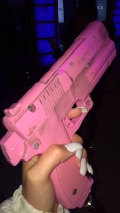 Well was in the mood to let this out Pink Guns, Everything Pink, Pink Aesthetic, Aesthetic Wallpapers, Girly Things, Pretty In Pink, Iphone Wallpaper, Bad Girl Wallpaper, Grunge