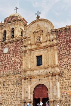 Beautiful speckled façade on the Parish of St. James, Tequila