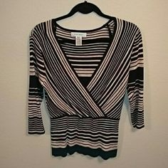 ⬇FINAL SALE Nine West 3/4 sleeve sweater Cute Nine West 3/4 sleeve striped sweater. 61% rayon, 39% cotton. Gently used, great condition Nine West Sweaters