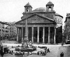 Bernini's elephant to the left...gelato to the right