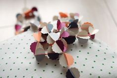 "CLOUDS ""vitamine"" handmade paper garland - styling and photo © Mi-avril"