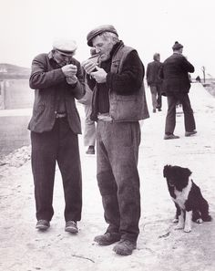 Photo from The Aran Islands – Another World (Ireland) by Bill Doyle Black White Photos, Black And White Photography, Old Photos, Vintage Photos, Old Irish, Irish People, Irish Eyes, Old Dogs, Another World