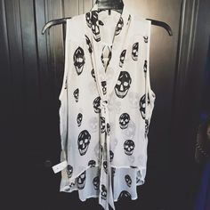 White Skull Blouse Brand new flowy top. Looks gorgeous with just about anything! Perfect for Miami weather! Open to offers. Happy Poshing! 💕 Mono B Tops Blouses