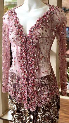 Kebaya Pink, Kebaya Dress, Modern Kebaya, Kebaya Brokat, Traditional Clothes, Bakery, Bridesmaid Dresses, Blouses, Women's Fashion