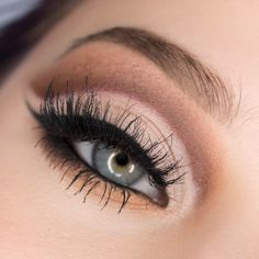 Neutral Cut Crease with The SoLa Look iGracias Palette & Creme 102 lashes
