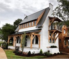 Awesome Cozy Farmhouse Exterior Design Ideas That Looks Cool. - Cozy Farmhouse Exterior Design Ideas That Looks Cool - pinupi love to share Modern Farmhouse Exterior, Farmhouse Homes, Cottage Homes, Farmhouse Decor, Farmhouse Ideas, Farmhouse Design, Country Farmhouse, Rustic Design, Style At Home