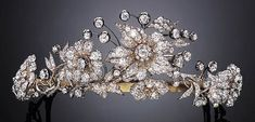 Antique Diamond Tiara ~~ I love how different this is. Perfect for the fabulous tiara Madi wanted for Christmas ! Royal Crowns, Royal Tiaras, Tiaras And Crowns, Diamond Tiara, Diamond Flower, Diamond Cuts, Antique Jewelry, Vintage Jewelry, Faberge Eier