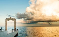 For your destination wedding decor, an amazing Mexican sunset is hard to beat! // Photo courtesy of Palace Resorts (Cozumel Palace)