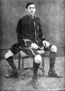 A man with 3 legs and double genital apparatus