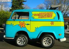 Purchase used The Mystery Machine Scooby Doo Life Size Shorty Mini Bus Van Westfalia in Lakewood, Washington, United States Scooby Doo, Mystery Machine Van, Car Camper, Campers, Dog Themed Parties, Yellow Vans, Mini Bus, Rainbow Painting, New Toys