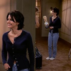 Styling buttoned tops or shirts this way monica friends, rachel friends, fr Friends Monica Geller, Monica Friends, Rachel Friends, Friends Tv Show, Rachel Green Outfits, Estilo Rachel Green, Tv Show Outfits, Cute Outfits, Fashion Friends