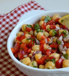 Kung Pao Chicken, Fruit Salad, Food And Drink, Chickpeas, Healthy, Ethnic Recipes, Ice Cream, Cake, Salads