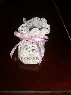 Free Crochet BASIC BABY BOOTIES Pattern.