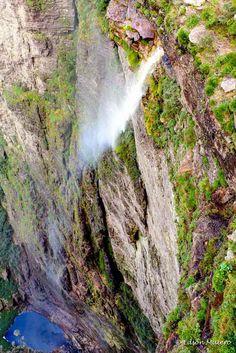 Cachoeira da Fumaça vista da segunda pedra
