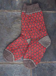 polka dot socks: knitting pattern