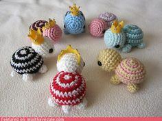 cute kawaii stuff - Mini Crocheted Turtles