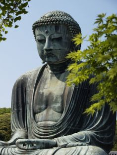 Kamakura was a capital of Japan in about 1800 years ago. Here is a place of the start of politics by the samurai.