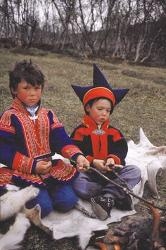 Two Sami children, samisk