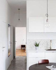We spy a terrazzo backsplash - officially obsessed.
