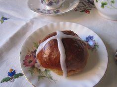 Cross buns with beans - Cross buns con alubias - http://www.legumechef.com/