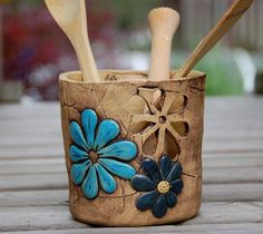 dóza na vařečky-patinovaná varianta/na objednávku/ výška 13 cm průměr - My site Pottery Pots, Slab Pottery, Ceramic Pottery, Ceramic Pots, Ceramic Tableware, Ceramic Clay, Cerámica Ideas, Pottery Handbuilding, Clay Vase
