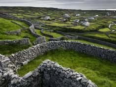 Stone walls / Ireland. Photograph by Jim Richardson.