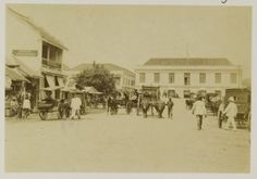 De Roode Brug te Soerabaja met links Apotheek De Vriendschap 1900