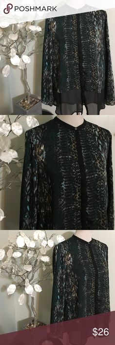 DKNY HIGH LOW BLOUSE Gorgeous blouse in perfect condition, 100% polyester DKNY Tops Blouses