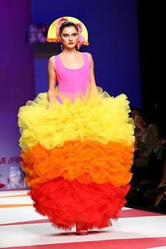 Crazy costume #funny #funnycostumes http://www.vishandpips.com/