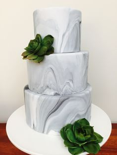 Modern Wedding Cakes One of the hottest wedding cake trends of marble cakes have got us all starry-eyed. - One of the hottest wedding cake trends of marble cakes have got us all starry-eyed. Gay Wedding Cakes, Floral Wedding Cakes, Wedding Cake Decorations, Wedding Cake Designs, Wedding Cake Toppers, Wedding Ideas, Wedding Shit, Blue Wedding, Trendy Wedding