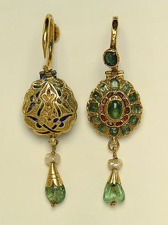 Earrings, 17th century, Morocco: gold, enamel, pearl, emerald and ruby. The Metropolitan Museum of Art.