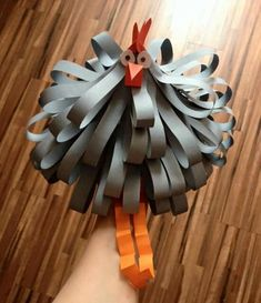 slepice Paper Crafts, Diy Crafts, Coq, Origami, County Fair, Anna, Bathroom, Animals, School