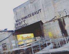 """""""Wer Bunker baut wirft Bomben""""  Bunkermuseum """"Berlin Story""""  #berlinergeschichte #historyofberlin  #berlinstory #museum #bunker #berlin #visit_berlin #urban #berlinpage #urbanandstreet #wonderlustberlin #hauptstadtliebe #berlin2go #nothingisordinary"""