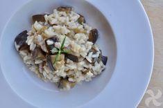 Vamos a preparar un risotto de berenjena en Thermomix. En este tipo de platos tan importante es el ingrediente principal (la berenjena en este caso) como caldo que utilicemos. El que veis en la foto e Rissoto Thermomix, Risotto, A Food, Grains, Rice, Ethnic Recipes, Robot, Recipes With Rice, Dishes