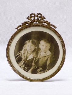 Photo Frames Victorian Photo Frames Edwardian by LittleFrenchOwl, for sale on Etsy Vintage Decor, Vintage Items, Antique Picture Frames, Victorian Photos, Ribbon Design, Oval Frame, Gifts For Wife, Vintage Photographs, Annie