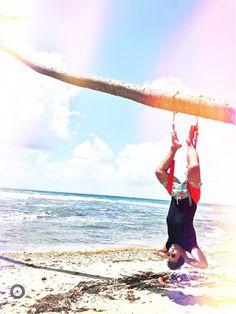 Meditation on the beach. AeroYoga ® Meditation in Yabucoa, Caribbean Sea of Puerto Rico with Rafael Martínez Ayurveda, Jamaica, Puerto Rico, Meditation Teacher Training, Formation Yoga, Coaching, Le Pilates, Suspension Training, Porto