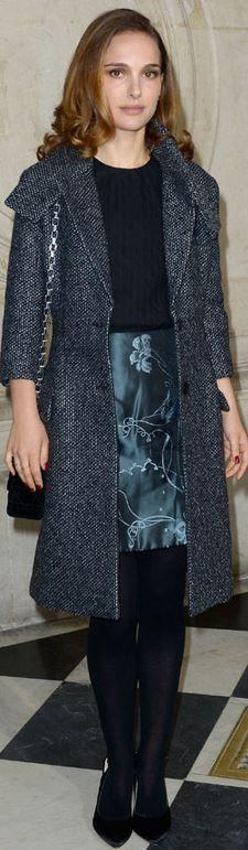 Who made  Natalie Portman's blue floral skirt, black handbag, gray coat, and pumps?