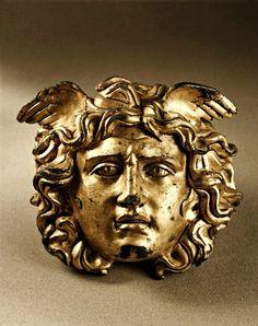 Libertas(@VeraCausa9)さん | TwitterBronze gilt Medusa head from the temple of Aesculapius at Ulpia Traiana Sarmizegetusa, Romania-Dacian-Roman Empire, 2nd-3rd century AD