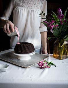 Bundt beet cake with cashew beet frosting Beet Cake, Beets, Lovely Things, Chocolate Fondue, Food Inspiration, Frosting, Cupcake, Desserts, Greedy People