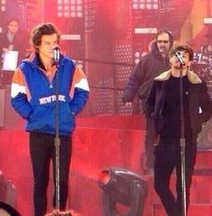 If you ever feel short, just remember Louis couldn't reach the mic today at GMA
